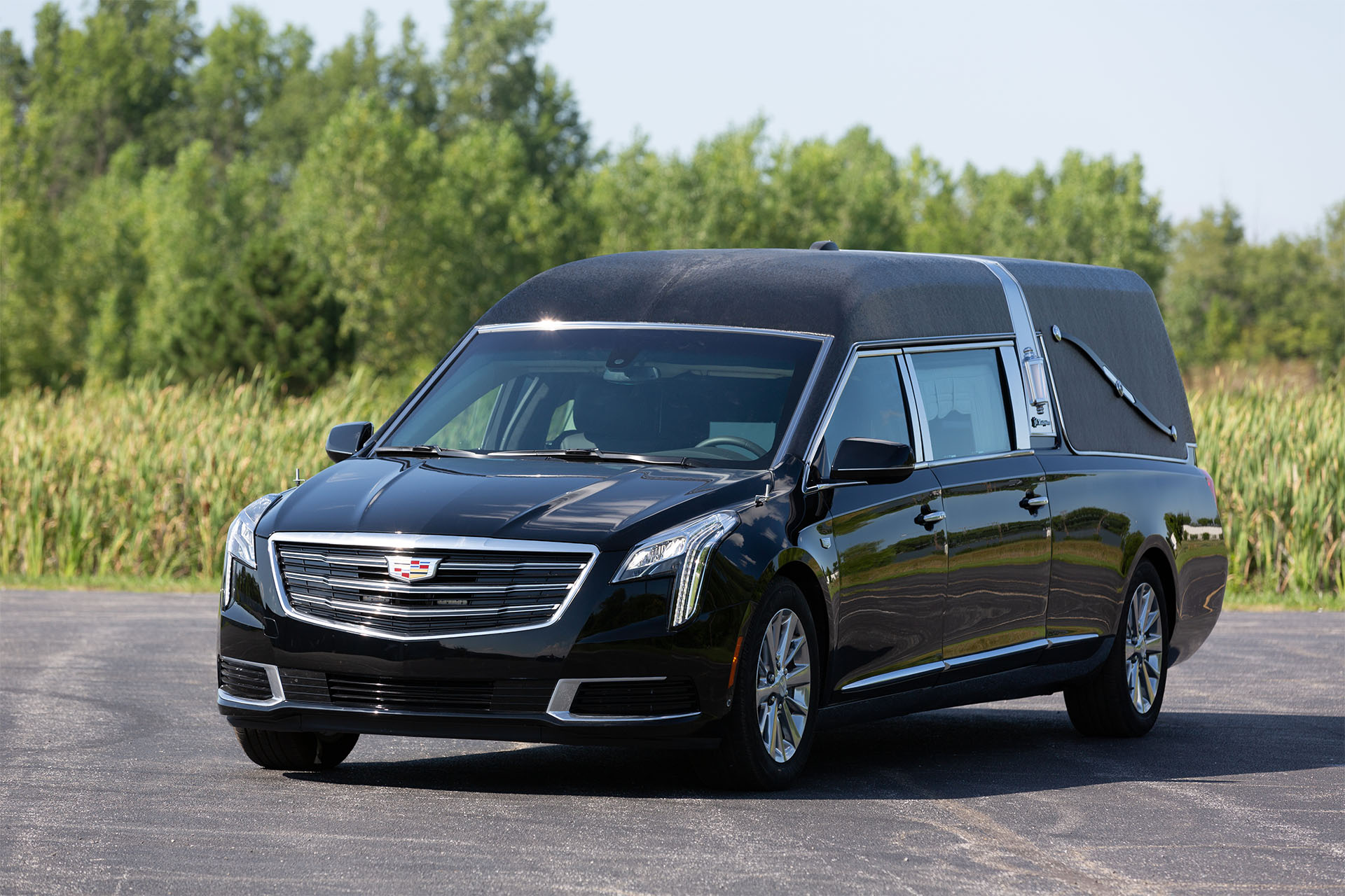Photo Gallery Cadillac Xts Masterpiece S Amp S Coaches
